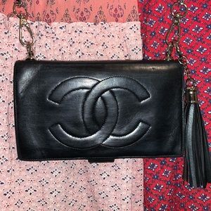 CHANEL Vintage Lambskin Wallet on Chain Cr…